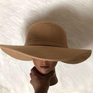 Accessories - Boho chic hat
